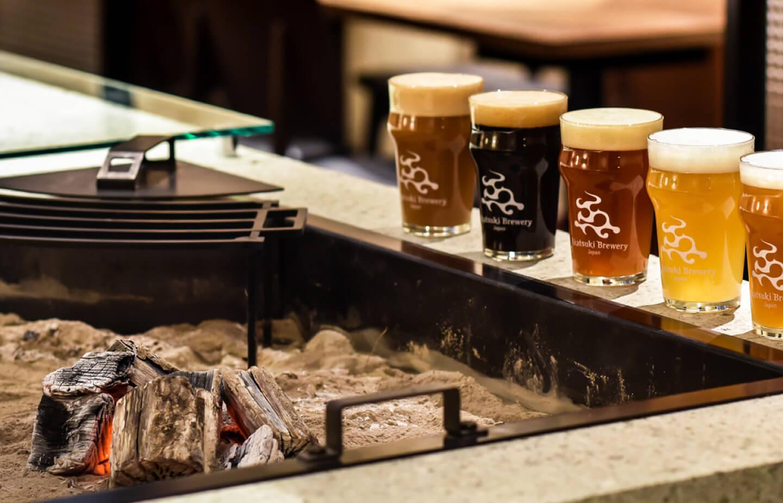 暁タップス 芝大門《ビアロバタ》 ビール・料理イメージ